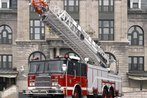 Montreal-HP100-ladder-extended